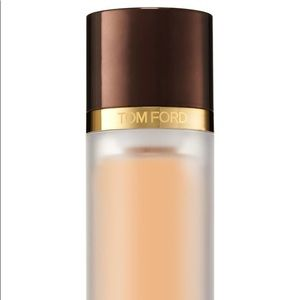 Tom Ford Traceless Perfecting Foundation Fawn